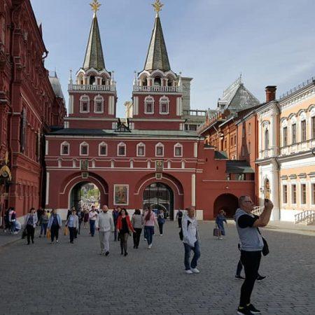 Savaitės dienos rusiškai